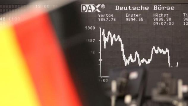 FBL-WC-2014-FANS-GER-FEATURE-GERMANY-ECONOMY-STOCK
